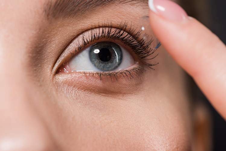ExcellentCarePharmacy_Arnprior_Ontario_Drive_Thru_eye_care_contact_lenses